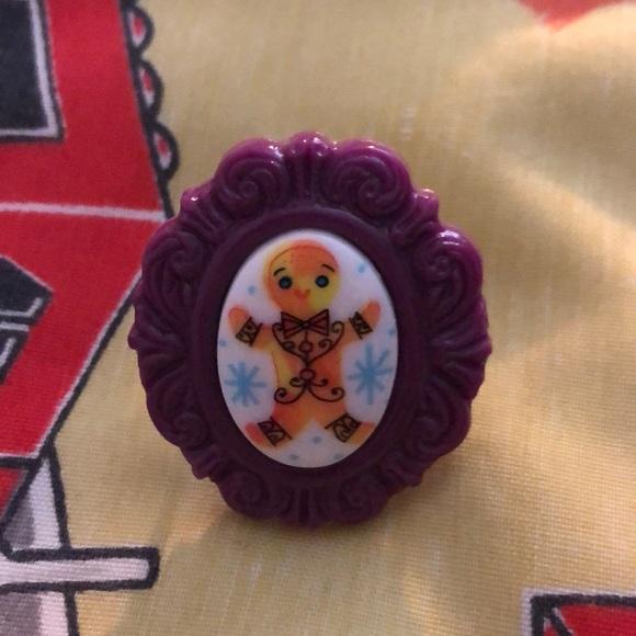 Tarina Tarantino gingerbread purple cameo ring